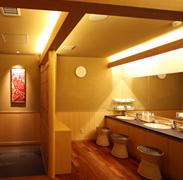 「吽の湯」脱衣室